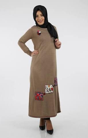 işlemeli tesettur elbise modeli