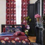 Bordo yatak odasi dekorasyonu
