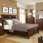 Kapali ceviz rengi yatak odası modelleri