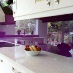 mor renk mutfak ara taş modelleri