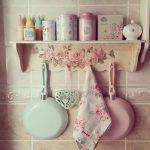 pembe ve bebek mavisi mutfak eşyaları