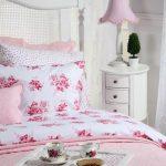 pembe ve beyaz yatak odası modelleri