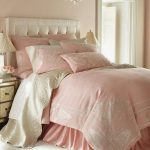 pembe yatak odası dekorasyon örnekleri