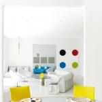 beyaz ve sarı uyumu ev dekorasyonu