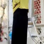 sarı salaş gömlek ve siyah uyumu