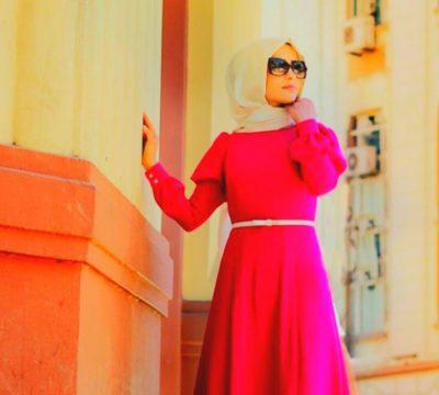 Fuşya Elbise Üzerine Ne Renk Şal Gider?